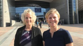 Dr. Van Eenennaam and Dr. Mariette Andersson (Swedish University of Agricultural Sciences) at the EU Parliament in Brussels