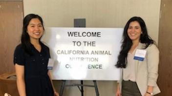 Linda Truong and Guadalupe Péna at the CA Animal Nutrition Conference