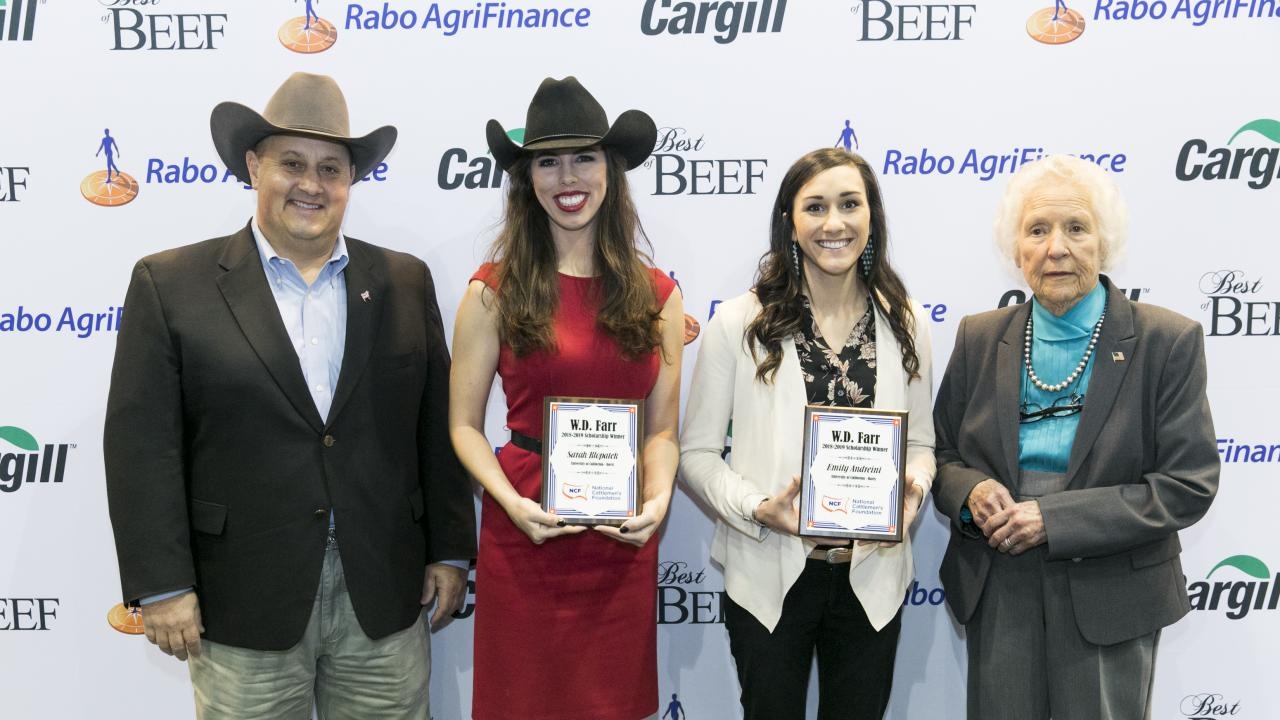 arah Klopatek and Emily Andreini at the National Cattlemen's Beef Association Convention receiving W.D. Farr Memorial Scholarships